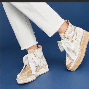Bill Blass crushed velvet platform chukka booties